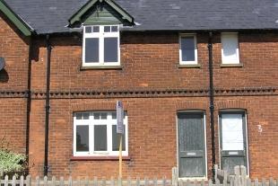 Mardocks Cottages, Wareside